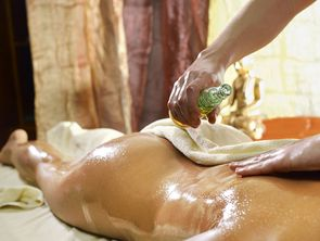 Ayurveda massages and treatments, the perfect ingredient for a wellness holiday