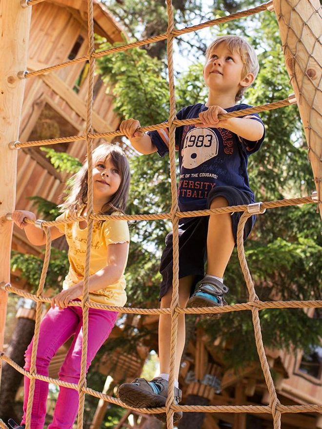 In the tree village you can climb, slide, explore the three tree houses and discover many a secret.
