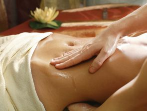 Therapists from India perform Ayurveda massages in the hotel Hochschober